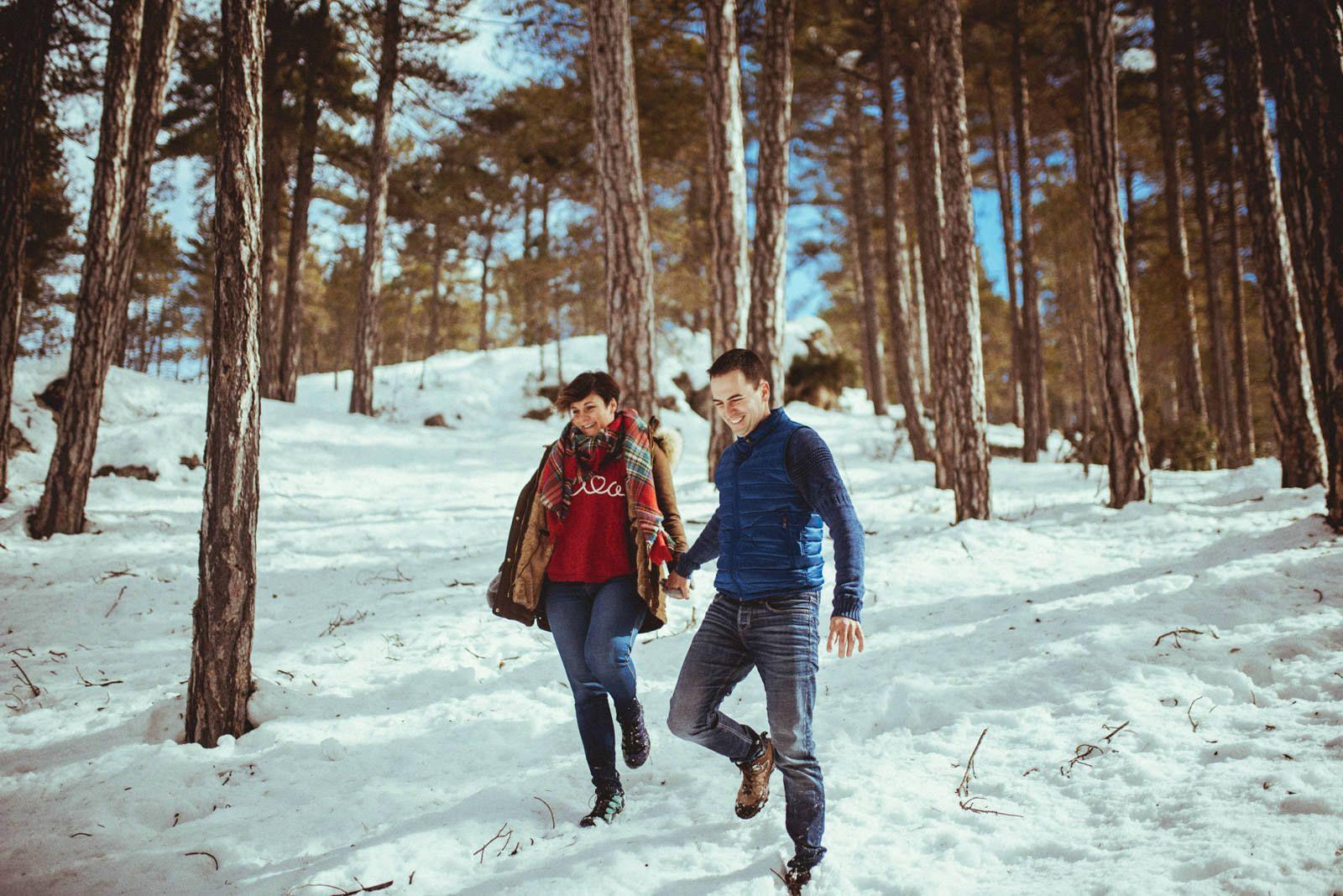 Fotografias de preboda en la nieve Valencia - Santi Miquel - Fotografo de boda - 001